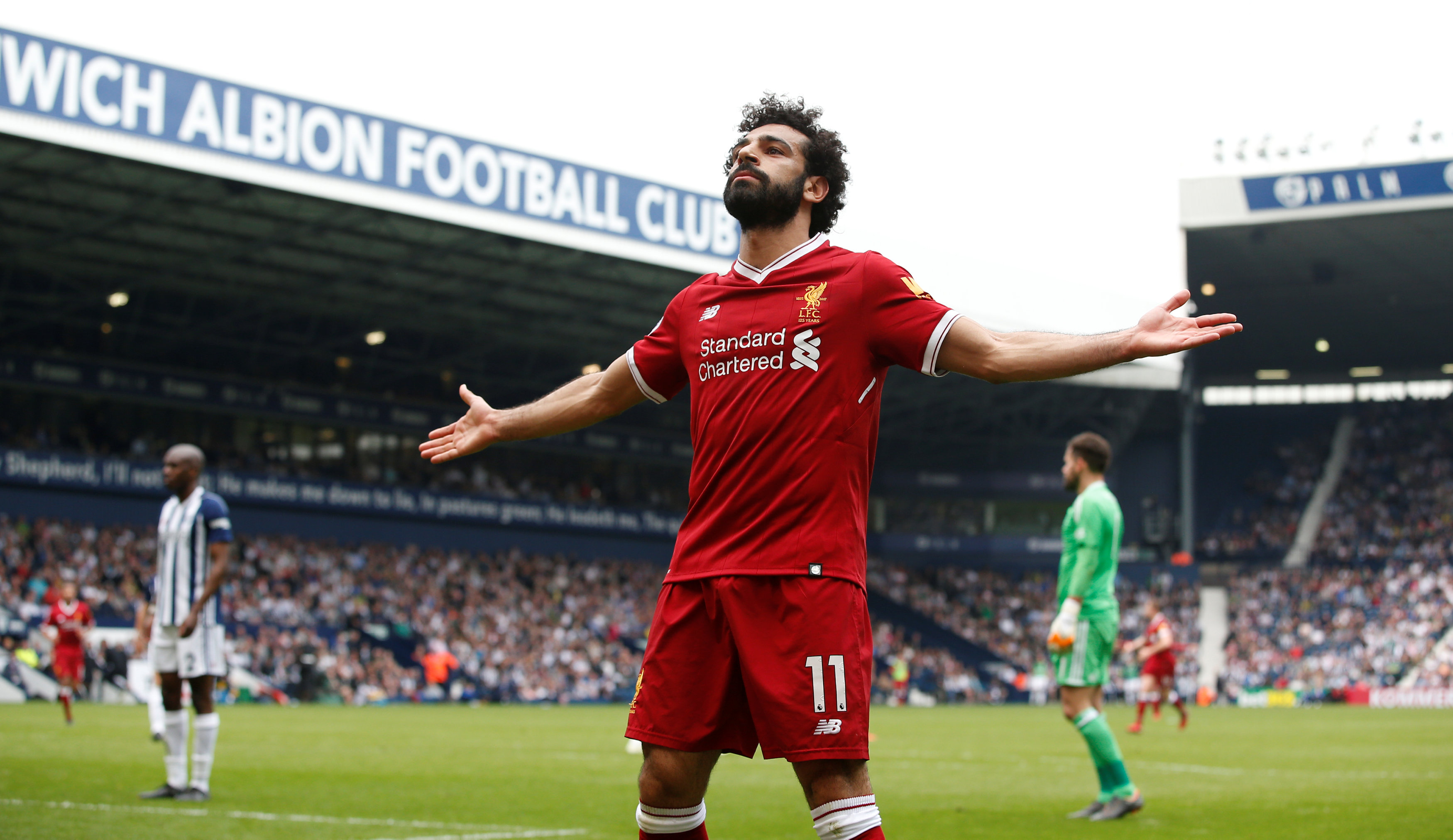 → Mohamed Salah's total of 303 points was the highest since FPL officially launched in 2002/03. Whose previous record did he break?