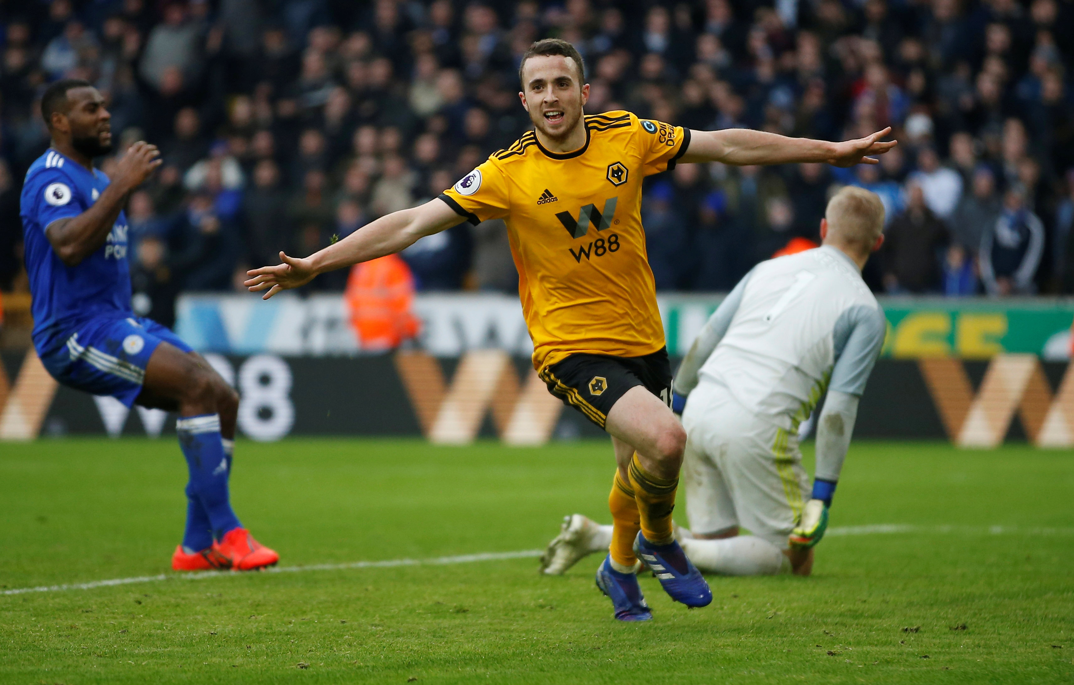 → Diogo Jota recorded nine goals and eight assists last season. How many of these attacking returns came before Gameweek 15?
