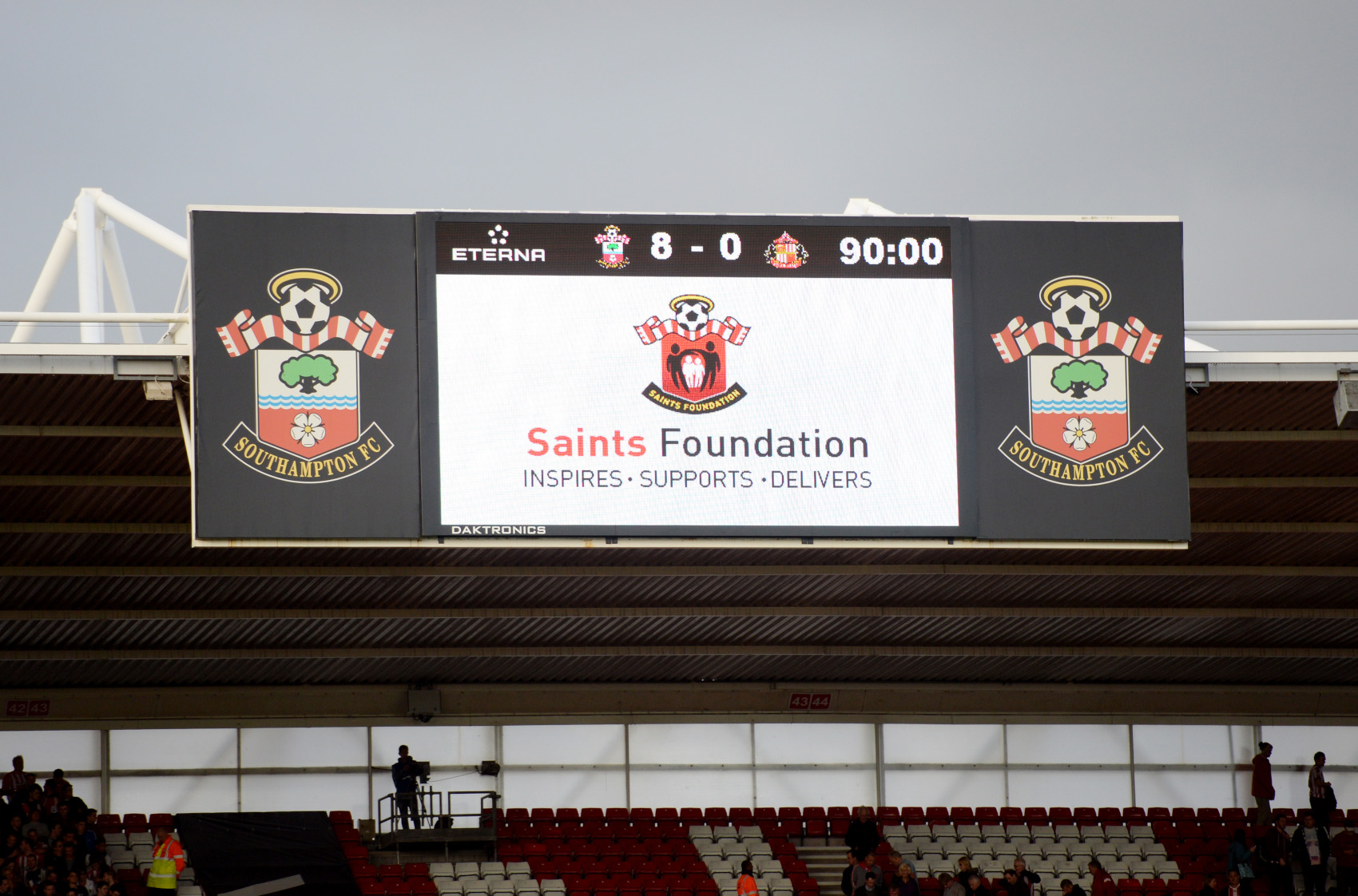→ Southampton's 8-0 thrashing of Sunderland was the biggest win of the season. Who recorded a 23-point haul after scoring once and setting up four goals in that match?