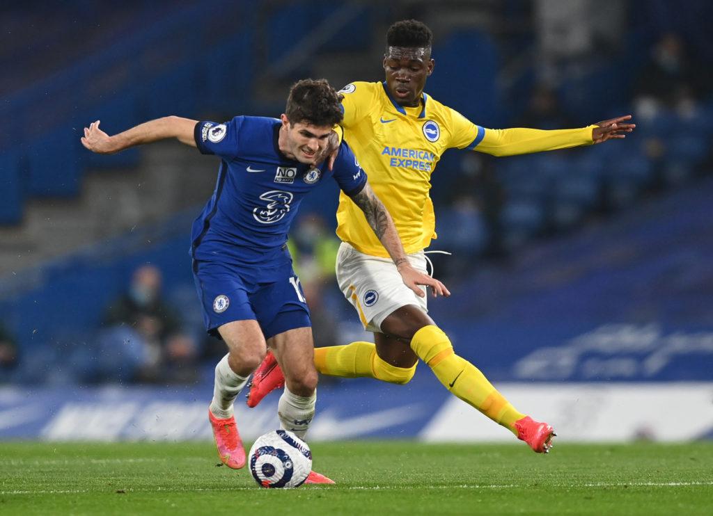 FPL budget midfielders - Jorginho in a duel