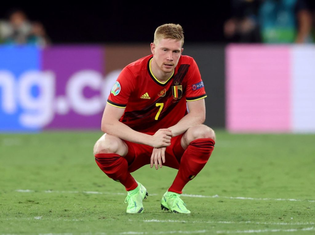 De Bruyne goes off with injury and Holeš emerges as budget enabler